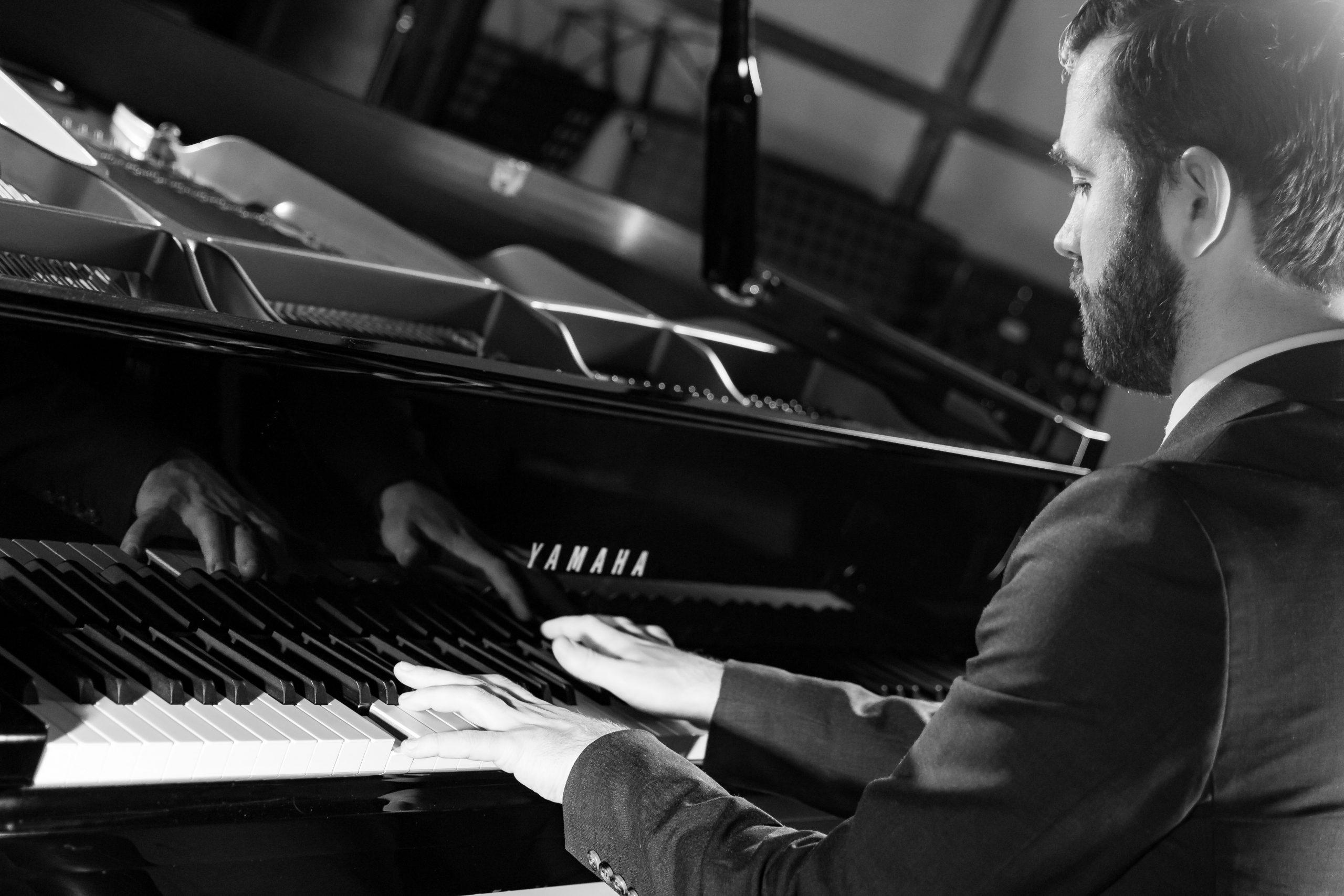 Wedding pianist