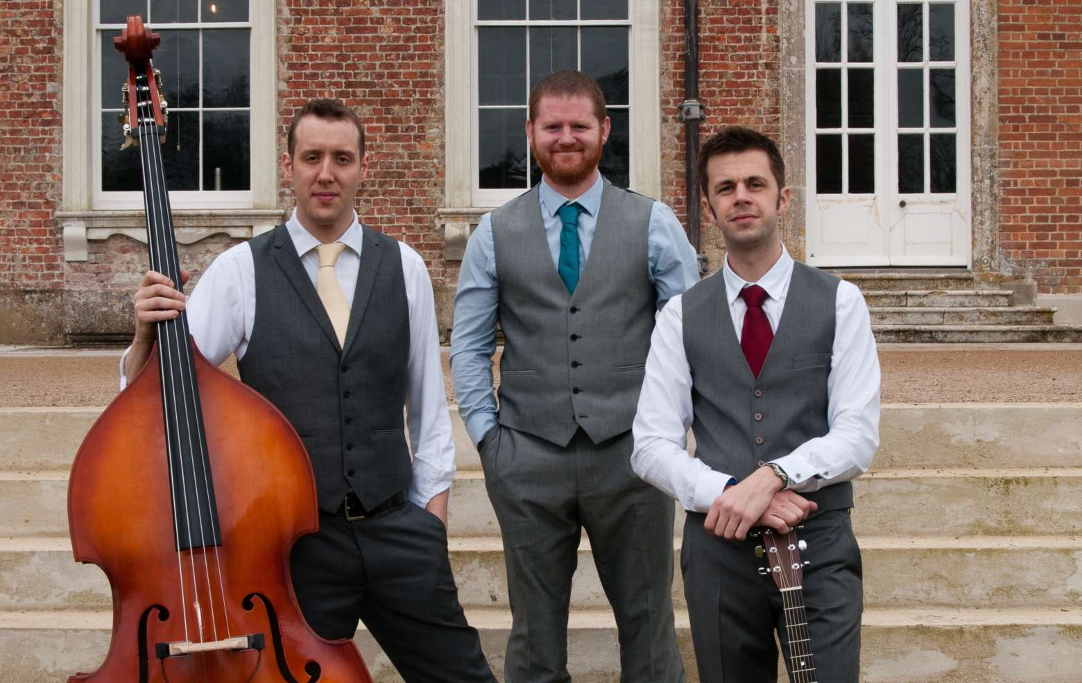 Acoustic trio for hire