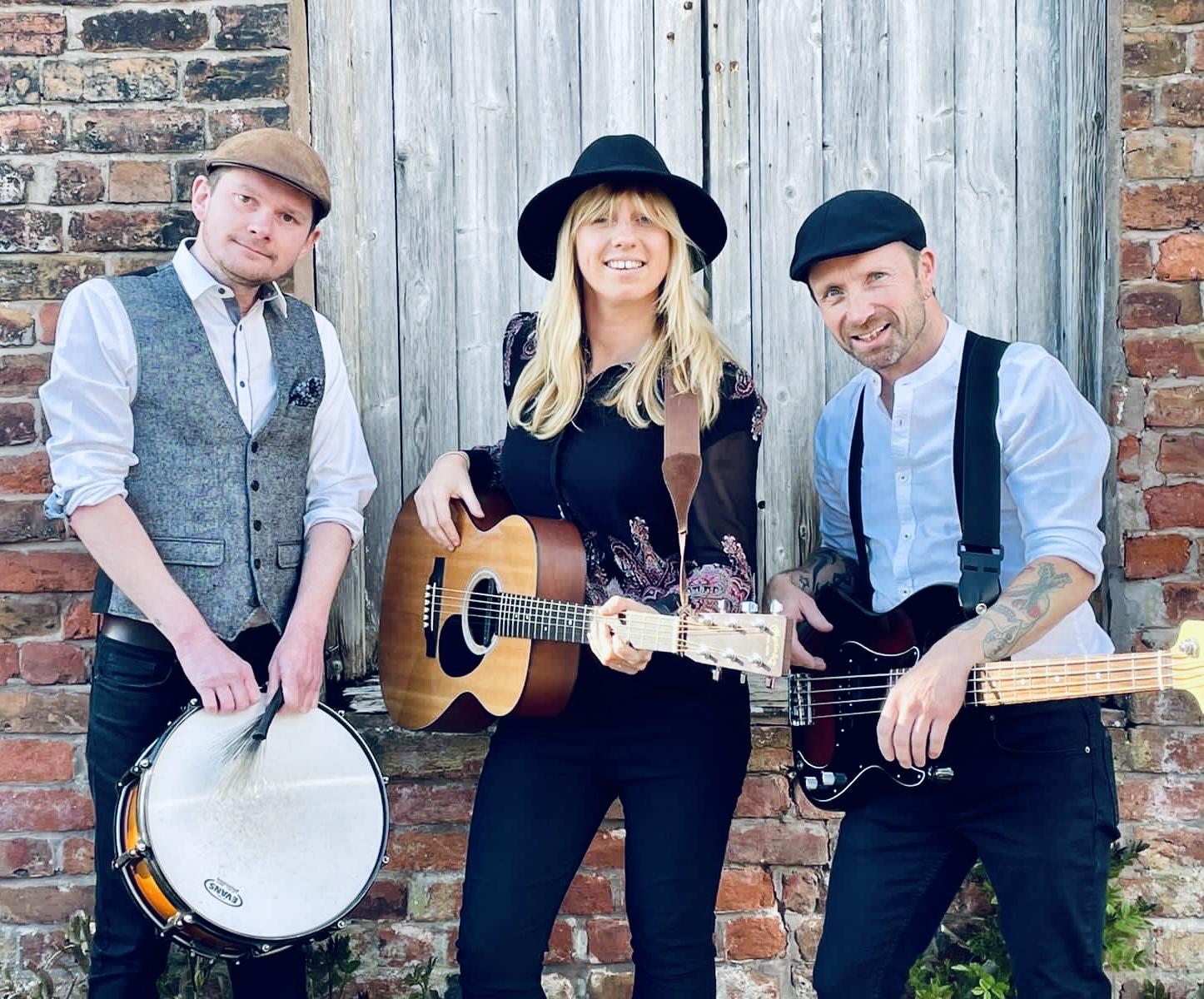 Acoustic folk trio
