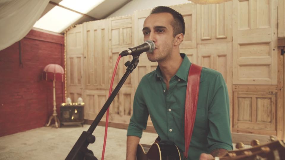 Solo acoustic wedding singer